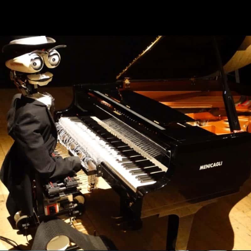 teo il pianista robot