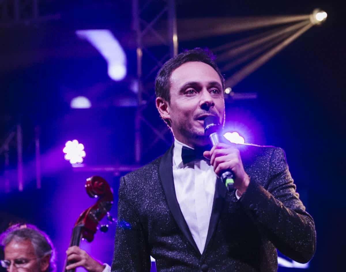 Il crooner italiano Matteo Brancaleoni